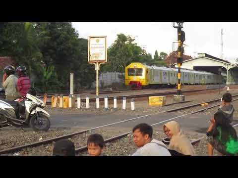 Merdunya Akselerasi Kereta Api - Berangkat Stasiun Klaten