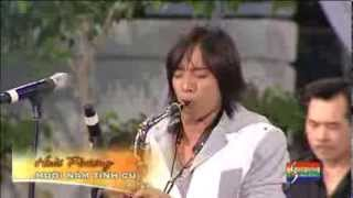 Muoi Nam Tinh Cu - Hoai Phuong - LIVE performed at The Marian Days 2011.