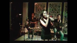 Câu Chuyện Nhỏ Của Tôi-Khang Nhi Band 01-11-2013 Hotline 0947320066