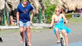 Carlos Vives - Shakira - La Bicicleta