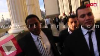 لحظة خروج إسلام بحيري من المحكمة في «إزدراء الأديان» (اتفرج)