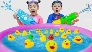 Annie and Sammy Pretend Play Fun Swim Story for Kids | Swimming Pool Toys