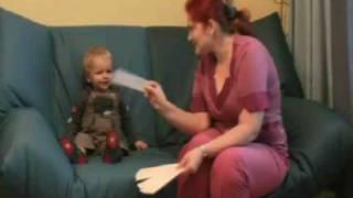 Рома, 1,8  читает слова из Букваря с пеленок
