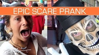 EPIC SCARE PRANK! Inflatable Charactor Trick Creepy Clown