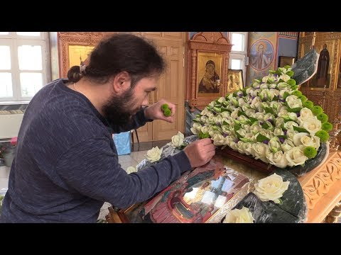 Украшение иконы Успения Пресвятой Богородицы во Владимирском храме Арзамаса