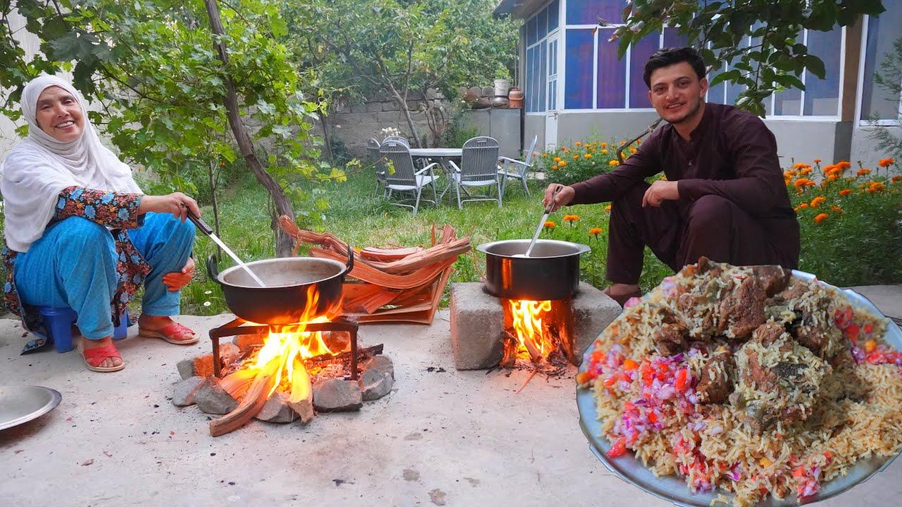 PESHAWARI CHAWAL | Pakistan Special Golden Pulao Recipe Cooking in Gilgit Baltistan | Mutton Recipe