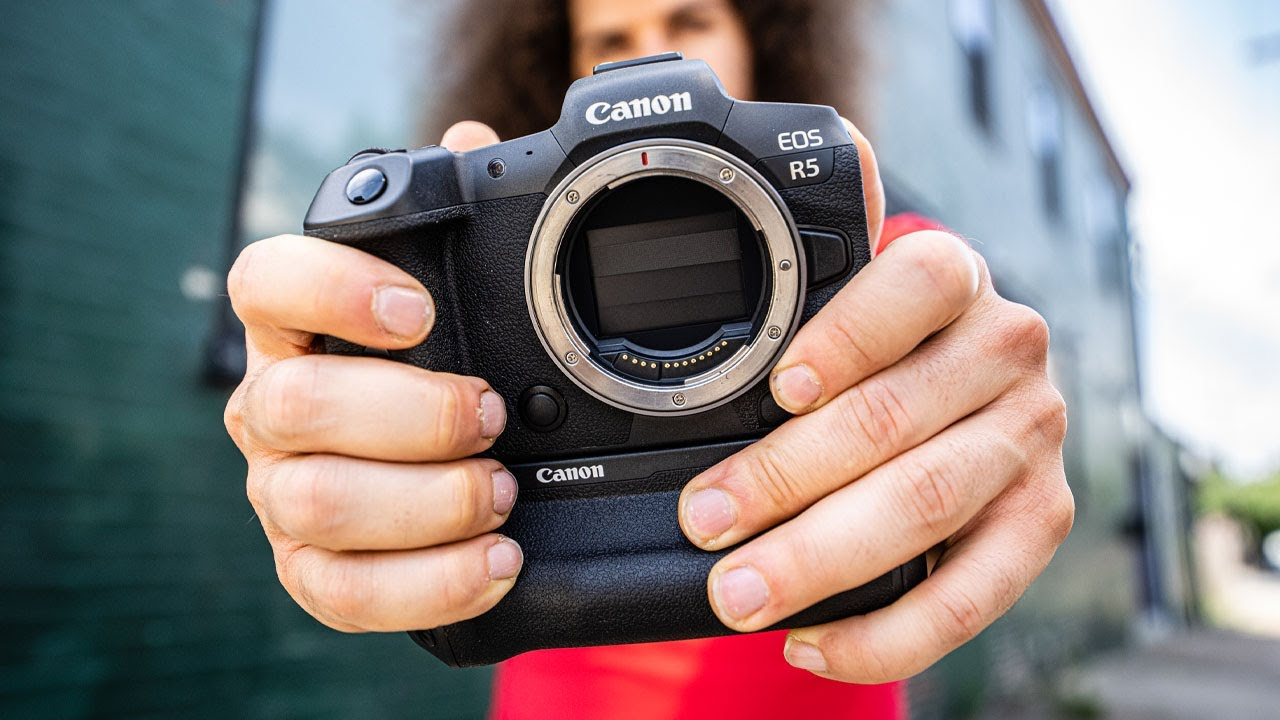 """Download Canon EOS R5 """"One YEAR Later"""" REVIEW...does it hold up?"""