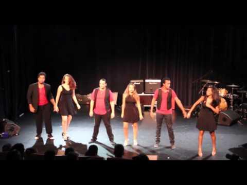 Les Pierres de Poivre dansent au Kabaret 42 de Saint Joseph