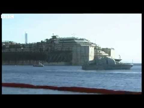Costa Concordia: Time-lapse as ship towed for scrapping