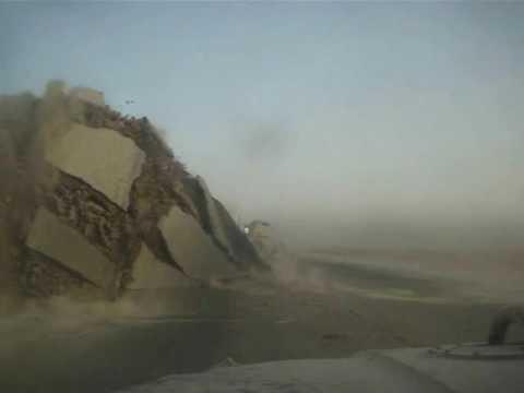 Une bombe explose à quelques mètres de leur convoi