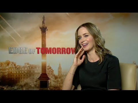 'Into the Woods' star Emily Blunt sings Rob Marshall's praises for staying loyal to the musical