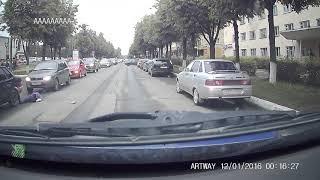 На улице Кремлевской в Йошкар-Оле 23 мая сбита девочка (видео УГИБДД МВД по Марий Эл)