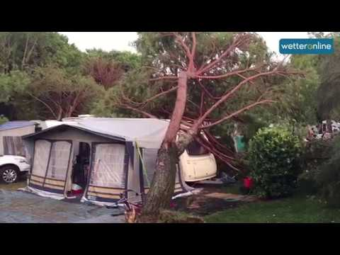 Italien: Unwetter verwüstet Campingplatz (11.08.2017)