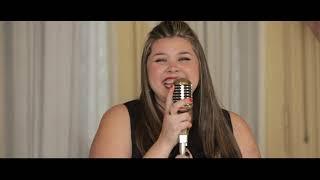 Смотреть клип Stefania - Llegaste Tú