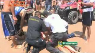 Repeat youtube video Rescatistas salvan de la muerte a un menor en Playa Bagdad de Matamoros