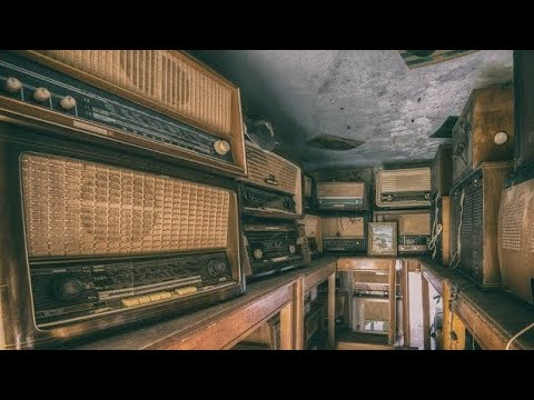Abandoned House Of a Radio Collector Filled With Antique Rad