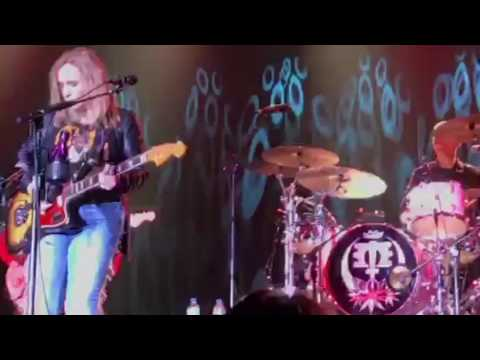 Melissa Etheridge  Respect Yourself  Edgewater Casino, Laughlin NV, May 20, 2017