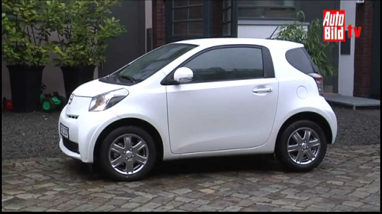 Duell der Stadtflitzer: Toyota iQ vs. Smart - YouTube
