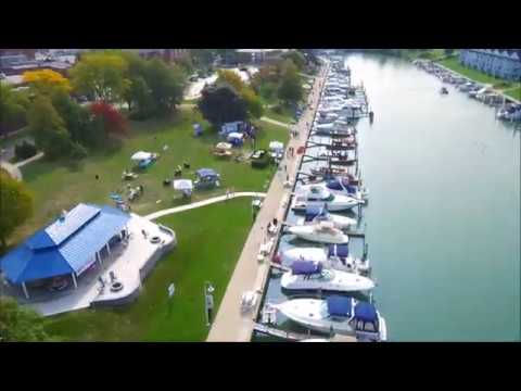 ANTIQUE CLASSIC BOAT SHOW - Port Huron, Michigan 9-16-2017