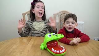 Playing Crocodile Dentist Challenge !