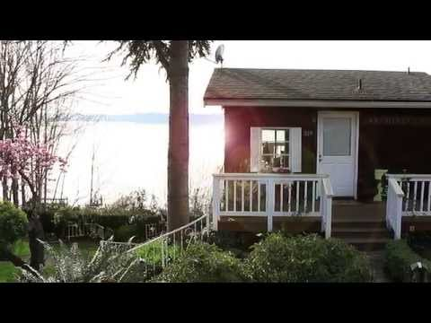 Pristine Waterfront Living in Kirkland, Wa