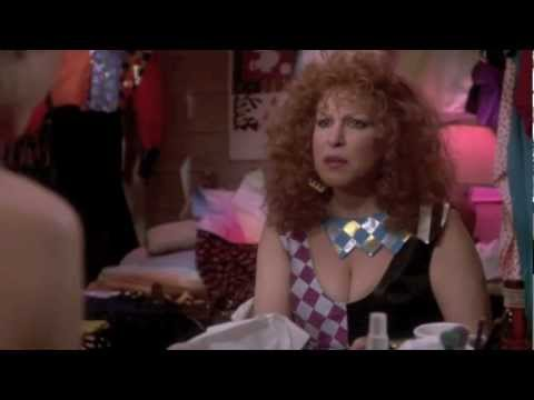 Extravagant 80s fashion - a scene from Ruthless People (1986)