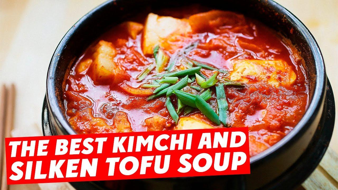 Kimchi Tofu Soup - 泡菜豆腐汤 - YouTube