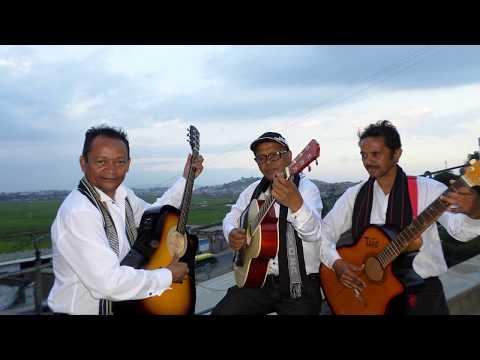 EFA TSY TIANA Tarika TSIMOKA Feat Tonton PA & Parson Jacques