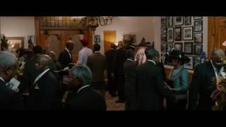 Из фильма Диктатор (2012). Эпизод с головой