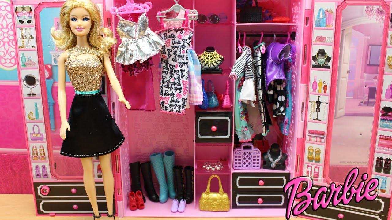 Armario Style de Barbie con ropa y Accesorios Mquina de