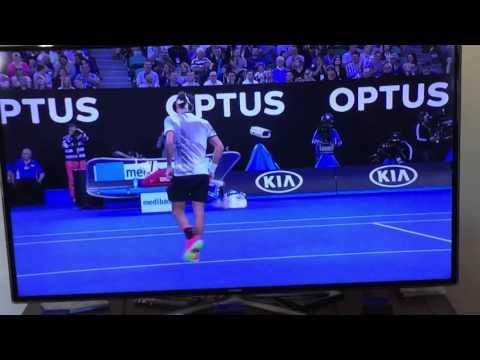 Wawrinka snaps racquet
