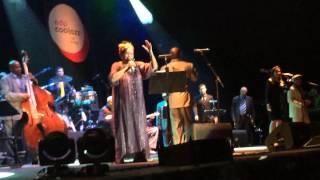 Omara Portuondo com Orquestra Buena Vista Social Club