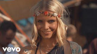 Смотреть клип Lizot, Charming Horses Ft. Jason Anousheh - Sonnenmädchen