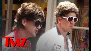 Is it Peyton and Eli Manning?  Or Eli and Peyton Manning? | TMZ