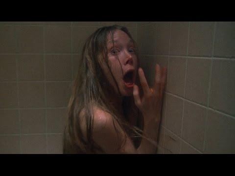 Trailer do filme Carrie, a Estranha