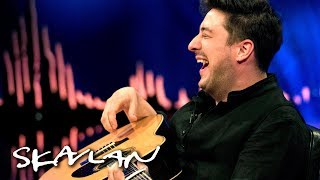 Mumford & Sons demonstrate how they write songs | SVT/TV 2/Skavlan
