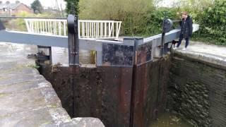 1835年に完成した運河。正式名称は、Shropshire Union Canal です。lock...