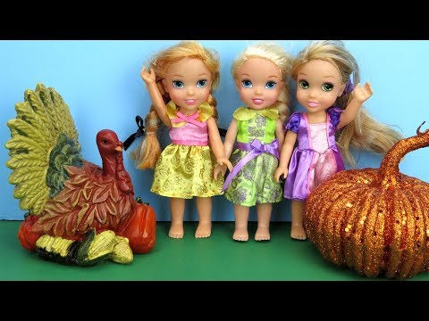 THANKSGIVING 2017 ! Elsa and Anna toddlers visit Rapunzel - Dinner -Turkey - Party - Food - Pumpkins