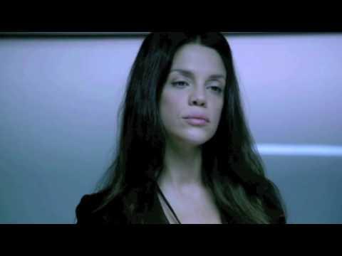 GRACELAND s3  Vanessa Ferlito interrogates Hal Ozsan