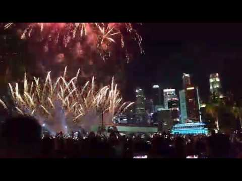 Marina Bay lights up with fireworks as Singapore welcomes 2017