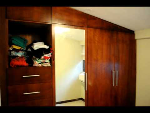Closets especial con espejo srabertmary de alfonso avi for Espejos largos modernos