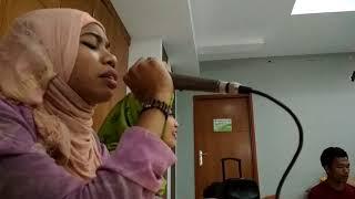 Mastia Lestaluhu- latihan Solawat  Persiapan  paduan suara Wisuda PTIQ 2017.