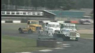 Big crash before the arrival in British truck racing round 5