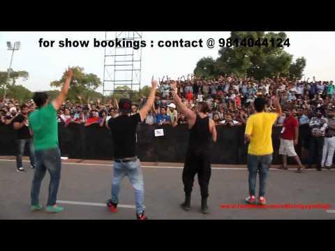 Yo Yo Honey Singh & Mafia Mundeer @ India-Gate, DELHI (30-06-2012)