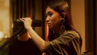 Download lagu NIKI - La La Lost You (Live) | Acoustic Sessions