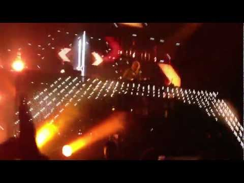 Sia 'Wild Ones' -- David Guetta LIVE @ Congress Chicago 5-25-12