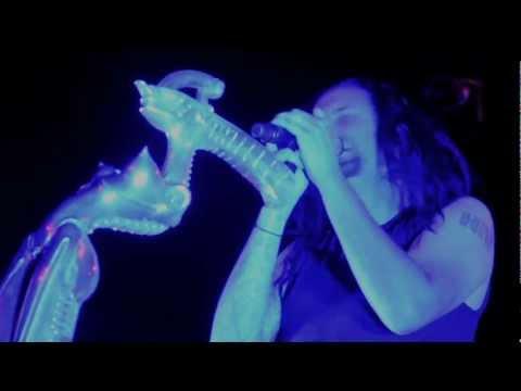 Korn - Alone I Break (Live in Germany, 2011)