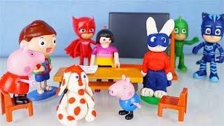 La PIMPA e il primo giorno di scuola con Peppa Pig e Simone il Coniglio [Storie con i giocattoli]