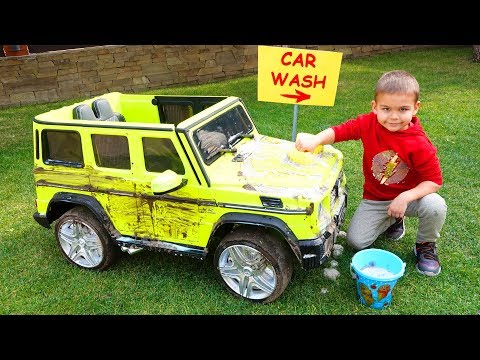 Dima pretend play on the car wash