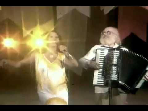 Sivuca e Clara Nunes - Feira de Mangaio (1978)